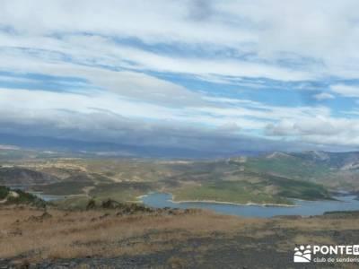 Cancho de la Cabeza;Senderismo gastronómico entresemana;viajes trekking senderismo singles lagunas